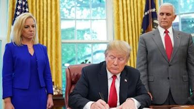 Donald Trump firma decreto y pone fin a la separación de familias migrantes.