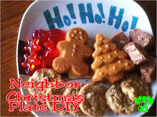 DIY Christmas Plate Cookie Gifts. A fun family tradition taken to the next level with DIY Christmas Plates