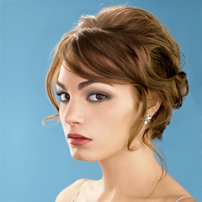 Short Wedding Hairstyles: Wedding Short Hair-styles For Long Hiar With Veil Half Up