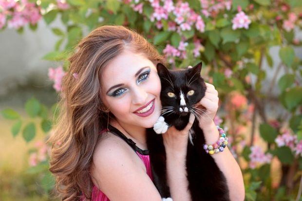 najčvršća crna maca