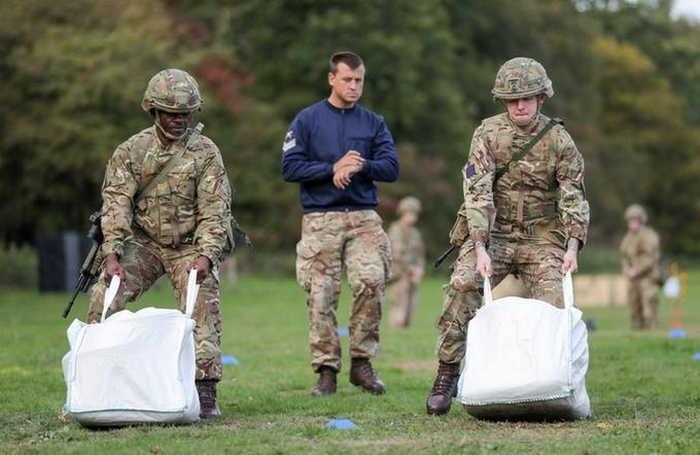 Армія Великої Британії запровадить єдині нормативи з фізпідготовки для чоловіків та жінок