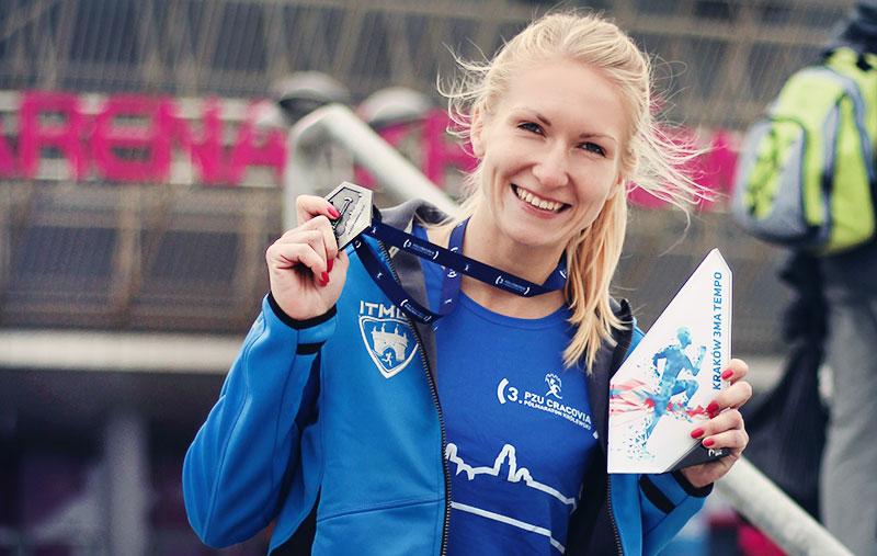 triada królewska cracovia halfmaraton medal