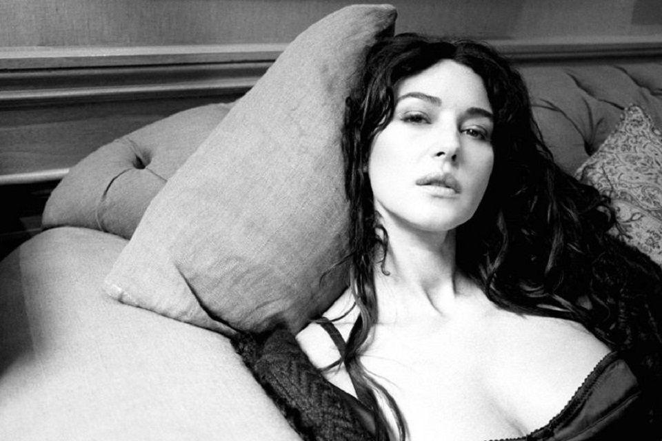 Monica Bellucci Stills Hot Wallpapers-9788
