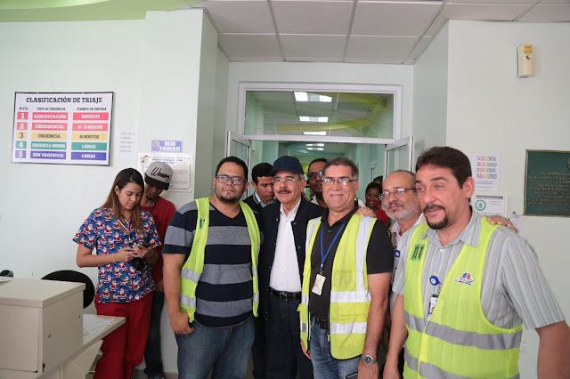 Danilo supervisa avances hospitales José María Cabral y Arturo Grullón y Morillo King