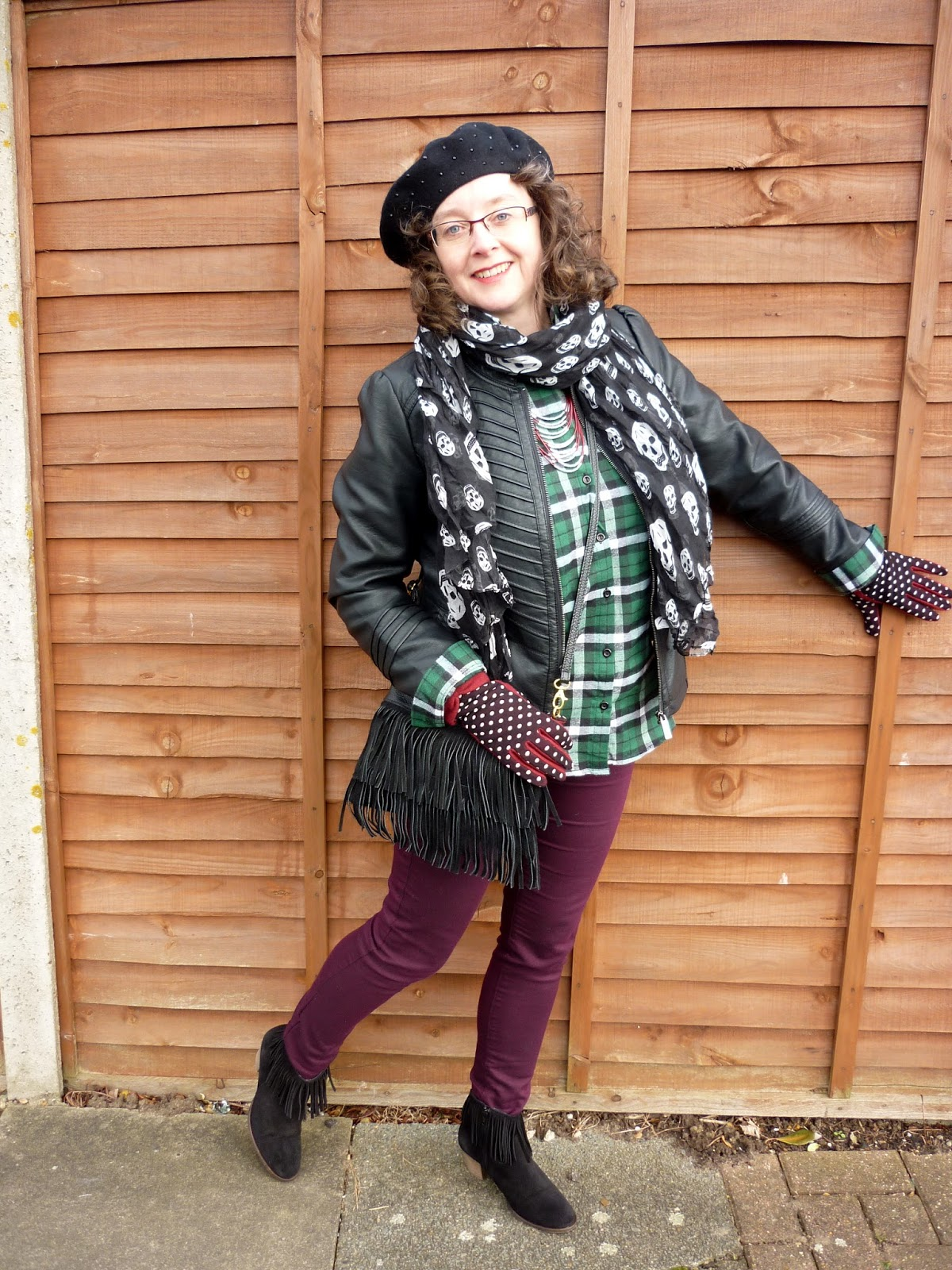 New Look Plaid Shirt, Joy Bag, Dorothy Perkins Skinnies, Skull Scarf | Petite Silver Vixen