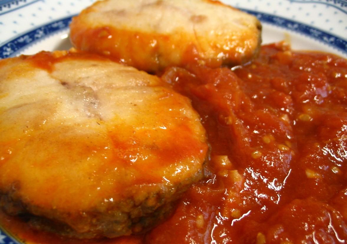 Resultado de imagen de merluza con tomate