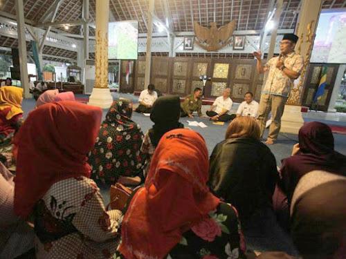 Sosialisasi rumah deret Tamansari Bandung