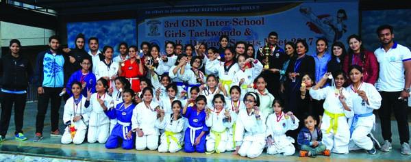 जी.बी.एन. स्कूल की गल्र्स ने ताईक्वांडो में जीती विजेता ट्राफी