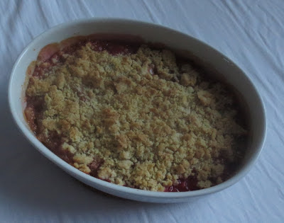 Rhubarb Crumble (Rhabarber mit Streuseln)