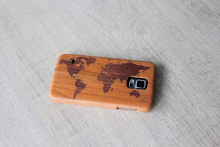 Clothes & Dreams: Travels: One Day in London: world map wooden phone case