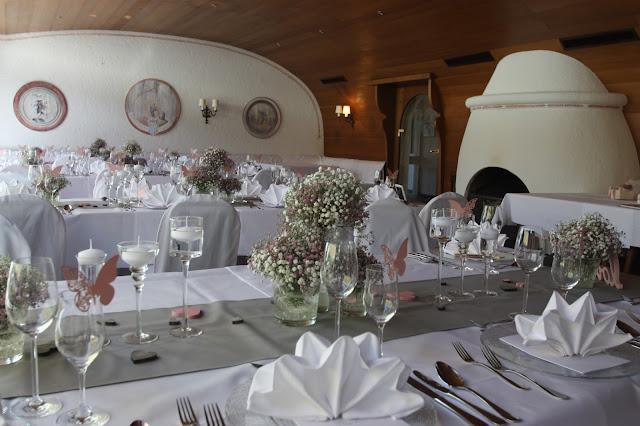 Abendessen im Seehaus - Grainauer Alphornbläser - Schleierkraut-Wolken in rosa und weiß - Sommerhochzeit in Bayern, Garmisch-Partenkirchen, Riessersee Hotel, Hochzeitshotel, Babies breath wedding