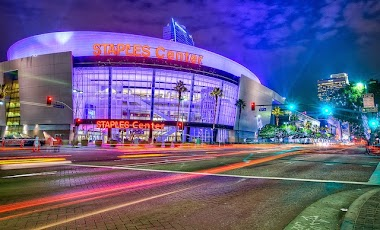 Travel through Los Angeles to see Hollywood and Grammys
