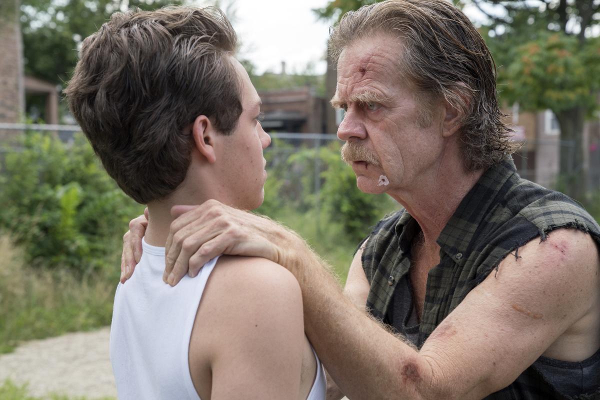 Frank hablando con su hijo Carl en la octava temporada de 'Shameless'