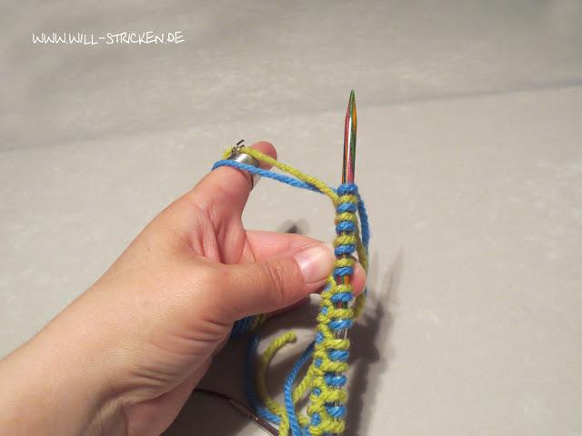 Doubleface stricken - Stricknadel drehen und Fäden kreuzen
