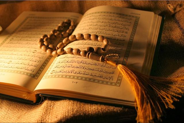 Bagaimana Sikap Seorang Muslim Terhadap Penistaan Al-Quran?