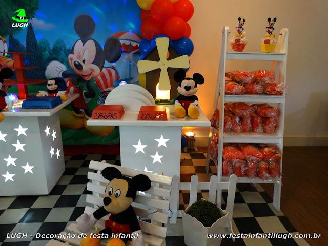 Mesa decorada provençal infantil Mickey