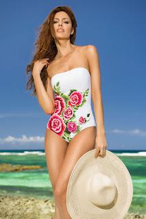 Costum de baie intreg Cosita Linda alb cu imprimeuri florale • Cosita Linda1