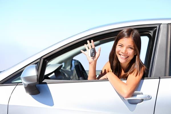 4 Kekurangan dan Kelebihan Sewa Mobil di Rental Mobil untuk Liburan