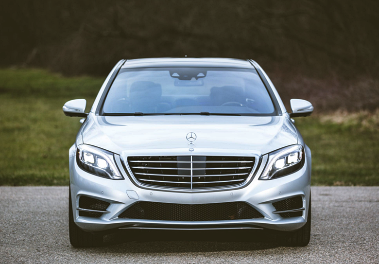 2019 Mercedes-Benz S550e 4Matic Sedan Review
