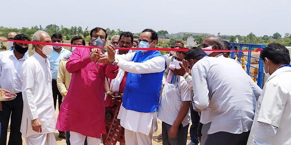 सांसद गुमानसिंह डामोर द्वारा 27 लाख रूपये की लागत से नवनिर्मित गोशाला का लोकार्पण किया