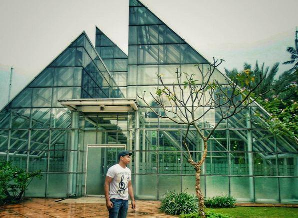 15 Taman Asik Buat Piknik Di Jakarta Paperkampung
