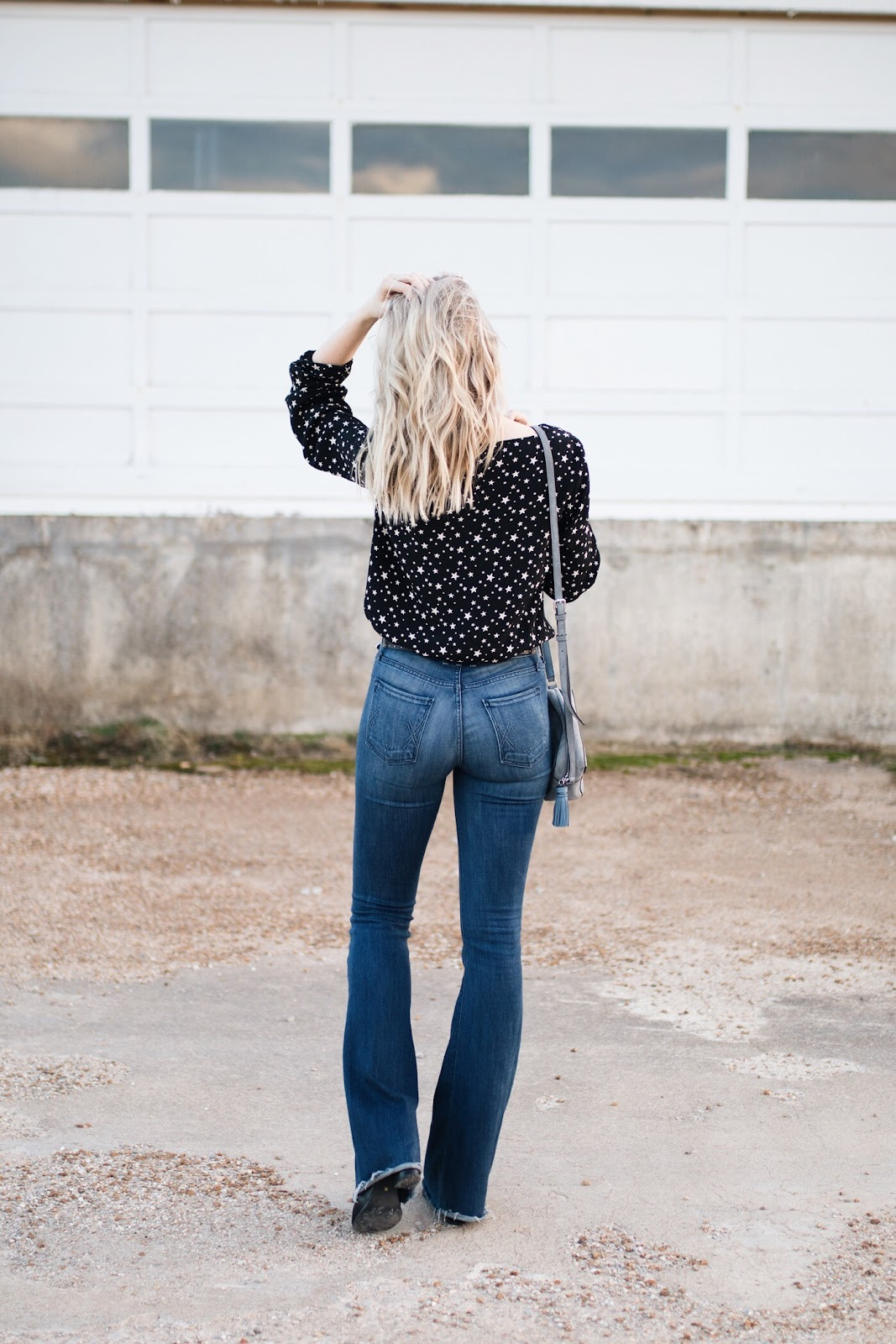 Flares jeans with a star print top