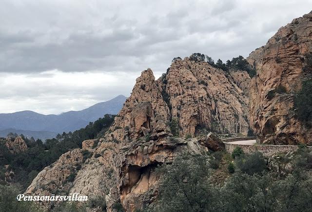 Les Calanches och nya vägar
