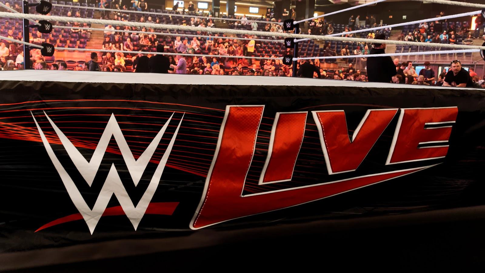 Imagem: Lenda da luta livre mexicana presentes em evento ao vivo da WWE