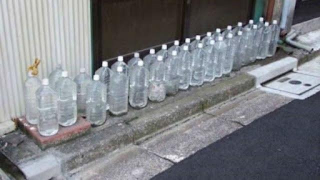 تعرف علي السر وراء وضع اليابانيون زجاجات مياه امام منزلهم ؟ امر خطير جدا