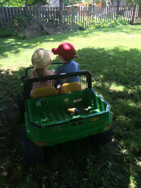 kids in jeep