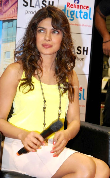 Priyanka chopra teri meri kahaani promotion pics