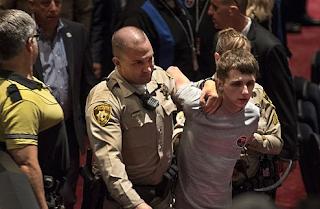 Man Grabbed Policeman's Gun At Las Vegas Rally And Said He Wanted To Kill Donald Trump
