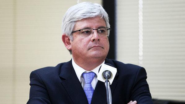 Rodrigo Janot cita provável irregularidade flagrada em novo áudio envolvendo colaboradores da JBS e ex-procurador que atuava em seu gabinete.