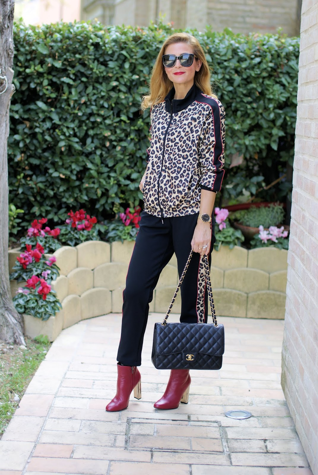 The animal print trend: leopard print tracksuit and Le Silla ankle boots on Fashion and Cookies fashion blog, fashion blogger style