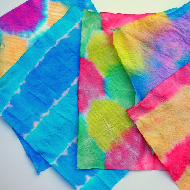Dip Dye Art with Kids- A great alternative to tie dying this summer!