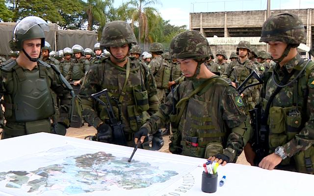 Após farsa do julgamento da chapa Dilma / Temer, tropas do Exército participam de treinamento que simular Intervenção Militar