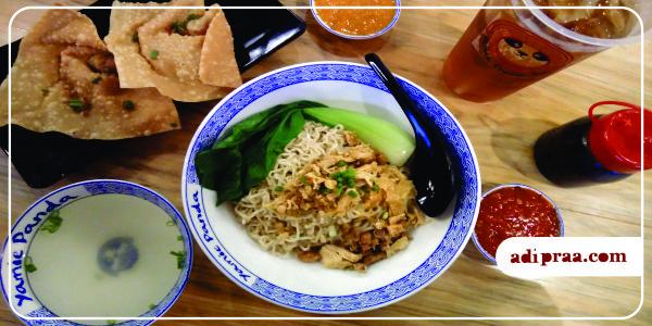 Yamie Asin Rica Porsi Sedang, Pangsit Goreng dan Lemon Tea | adipraa.com