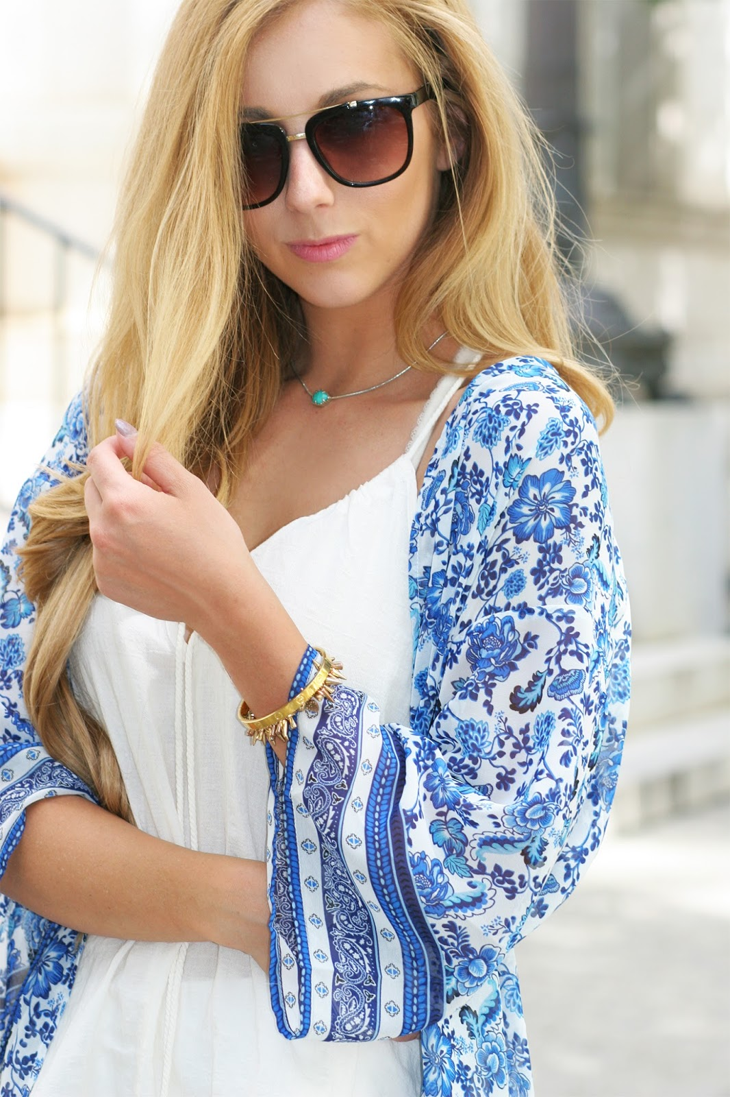 Summer-accessories-street-style-bracelet-layers-Kendra-scott