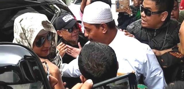 Pengacara Bicara, Ungkap Detik-detik Habib Bahar Bin Smith Jadi Tersangka