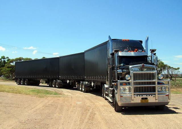 gambar foto truk gandeng terbesar di dunia
