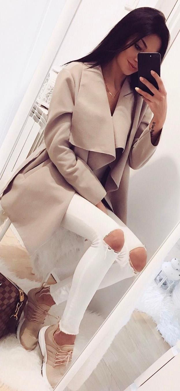ootd: coat + rips + sneakers