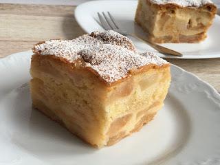 Przepis na pyszne ciasto z jabłkami