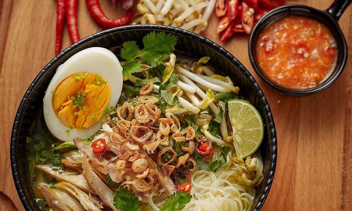 Resep Soto Ayam Spesial dengan Lauk Nikmat (unileverfoodsolutions.co.id)