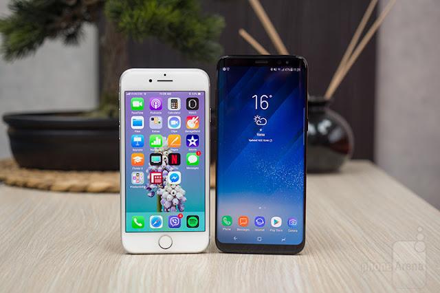 مقارنة بين هاتف ابل ايفون 8 وهاتف سامسونغ جلاكسي 8