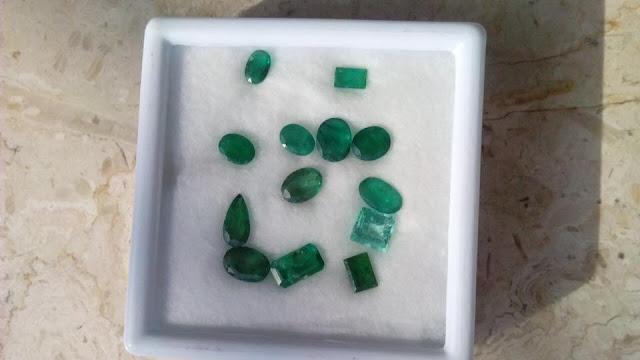 đá emerald tự nhiên