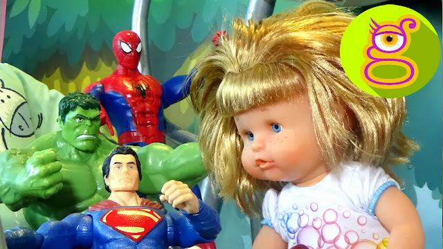 Pompitas monta en columpio con los superhéroes -Capítulo #10 - vídeos nenuco en español