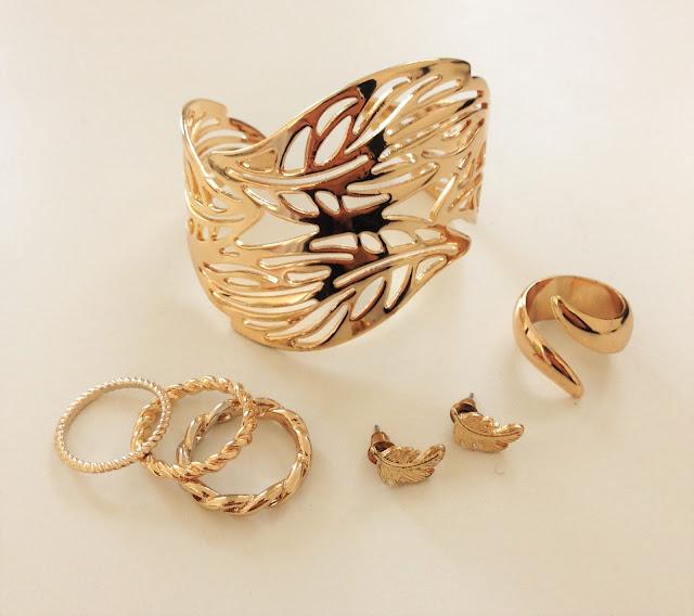 bijoux fantaisie dorés feuilles automne - look mode grossesse