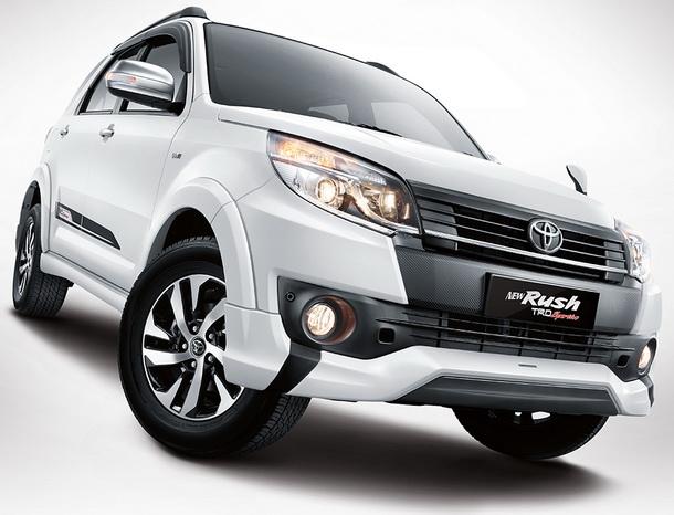 Tampilan Samping Toyota New Rush terlihat lebih sporty