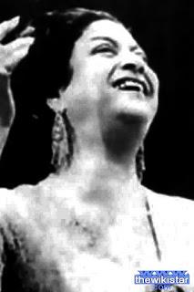 ام كلثوم (Umm Kulthum)، مغنية مصرية
