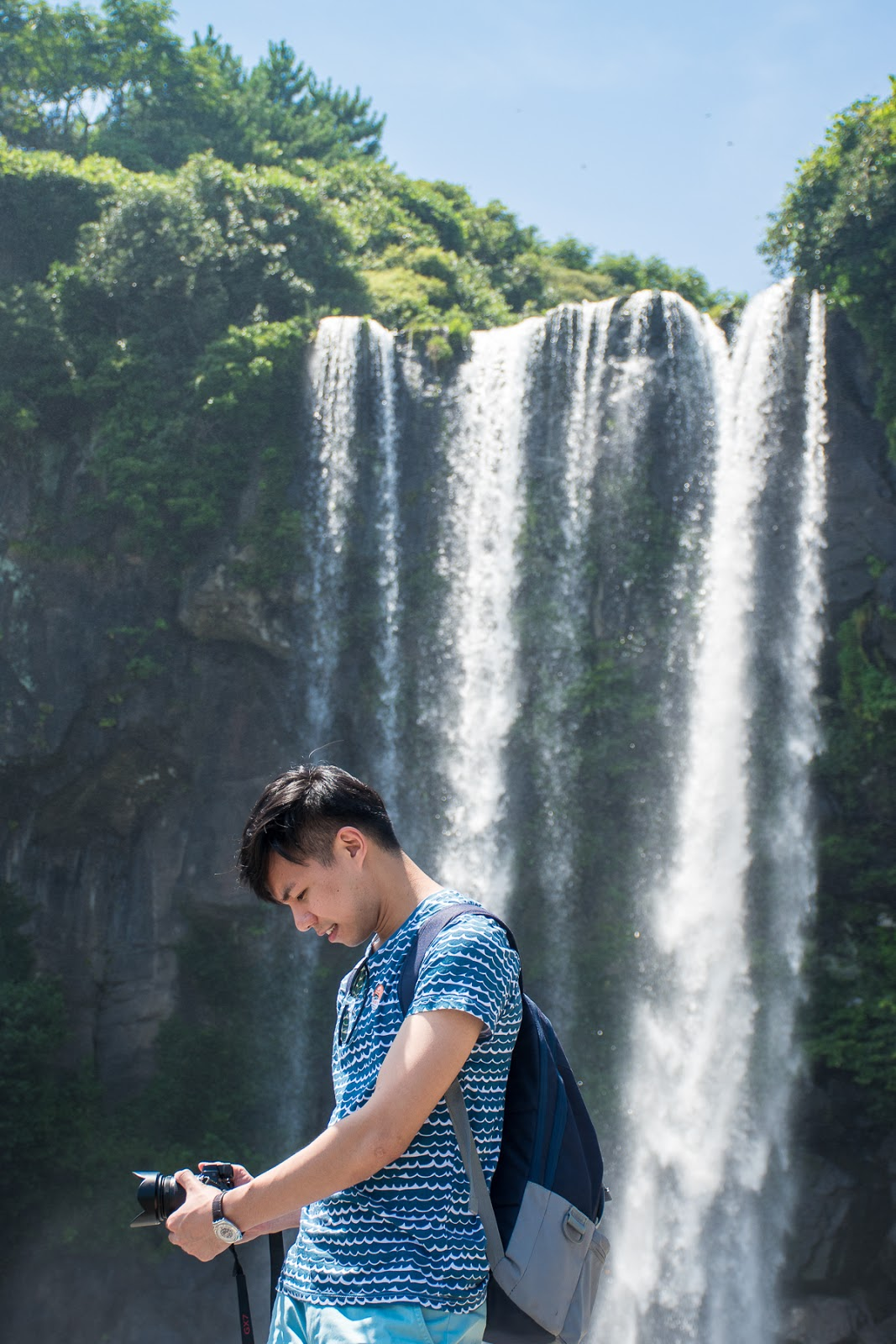 jeonbang waterfalls image and pictures of jeju korea